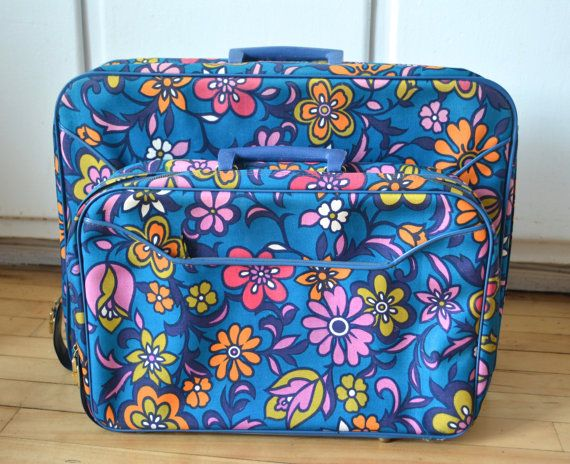 Vintage 70s Suitcase Set With Keys. Nesting by catbedoven on Etsy, $45.00