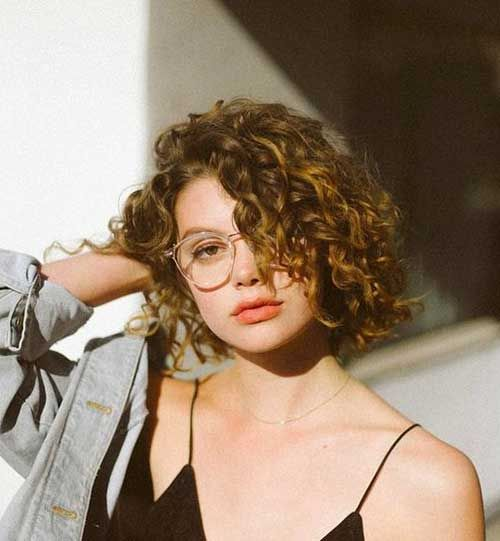 Short Curly Haircuts Ideas You Can Try Today Cabelos Curly