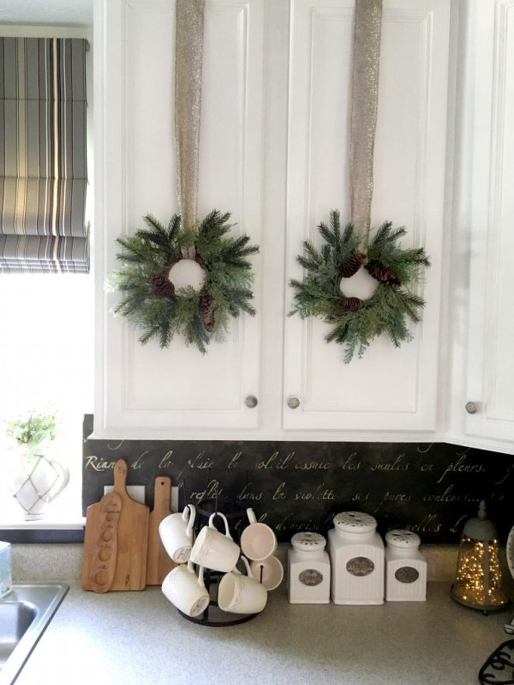 46 Easy and Inexpensive Kitchen Decoration Ideas for Christmas ...