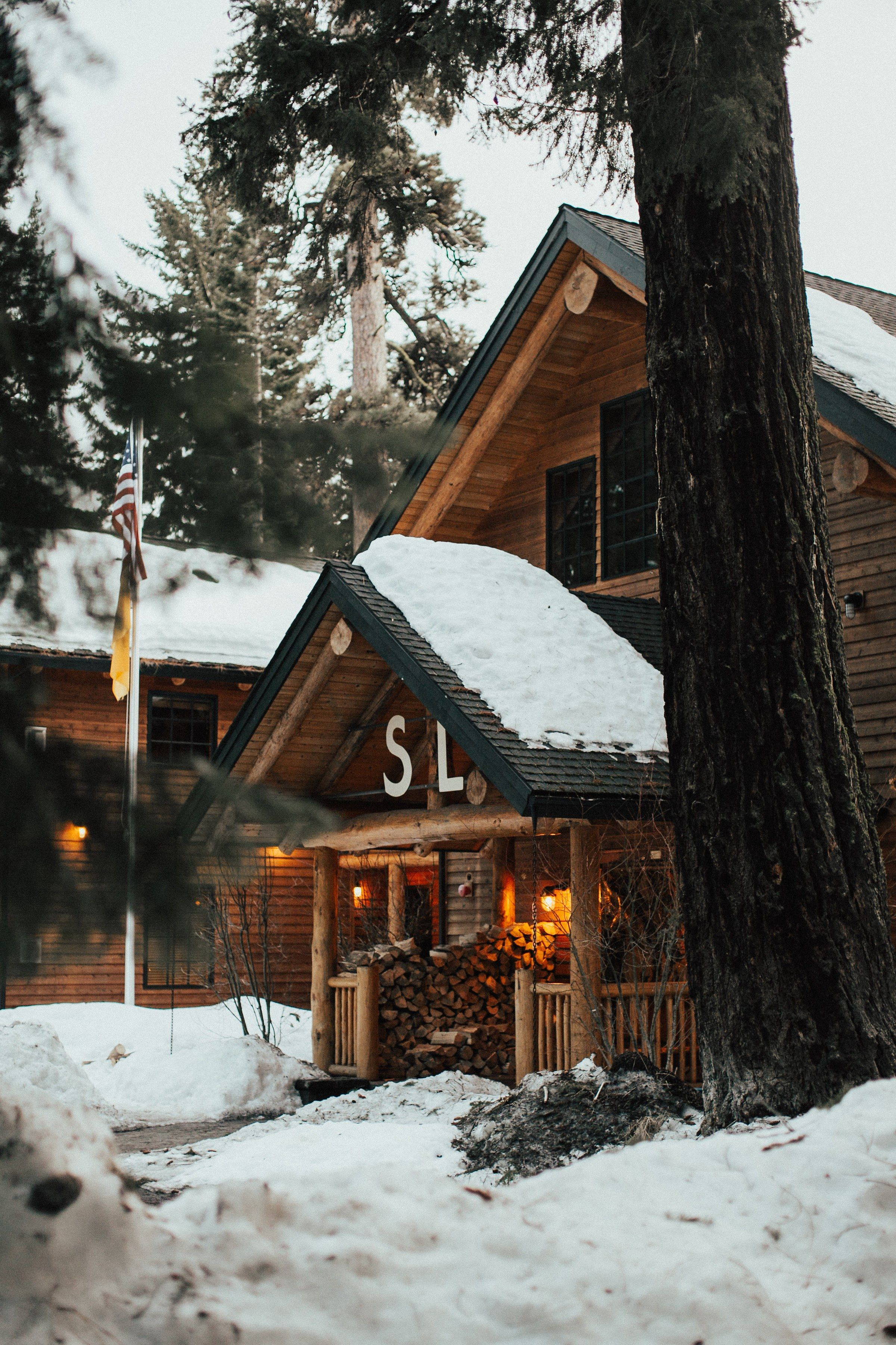 Spend Your Holidays in One of These Cozy Retreats