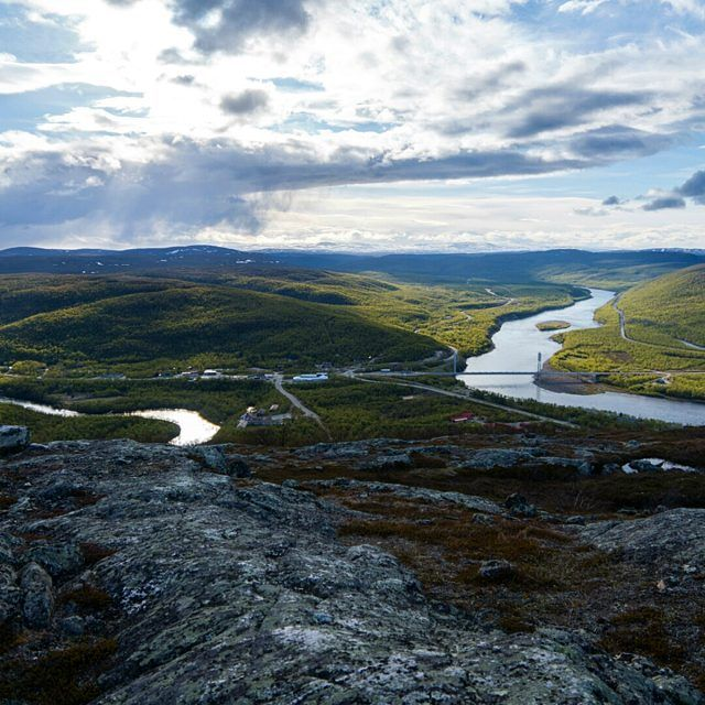 blogvisitfinland:  Utsjoki, river Teno and a brigde what is leading to Norway side. Photo @view  Instagram-Takeover von @tundrasafari - Week from northernmost Lapland Utsjoki