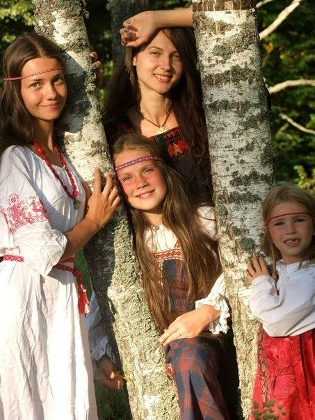 Four girls in Russian national dresses are watching the show at one of the folk festivals. #kids #Russian #folk #costume
