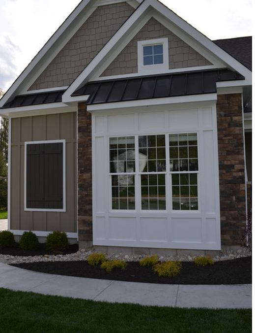 Dining Bump Out Add Continuous Metal Roof Over It Same Roofline Over Front Door Window Trim Exterior Craftsman Exterior House Exterior
