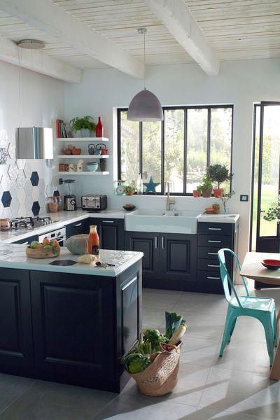Carrelage Mural Hexagonal Makara Bleu Blanc Blanc Bleu Ou Avec Decor En Faience Dimensions 17 Carrelage Cuisine Designs De Petite Cuisine Cuisines Design