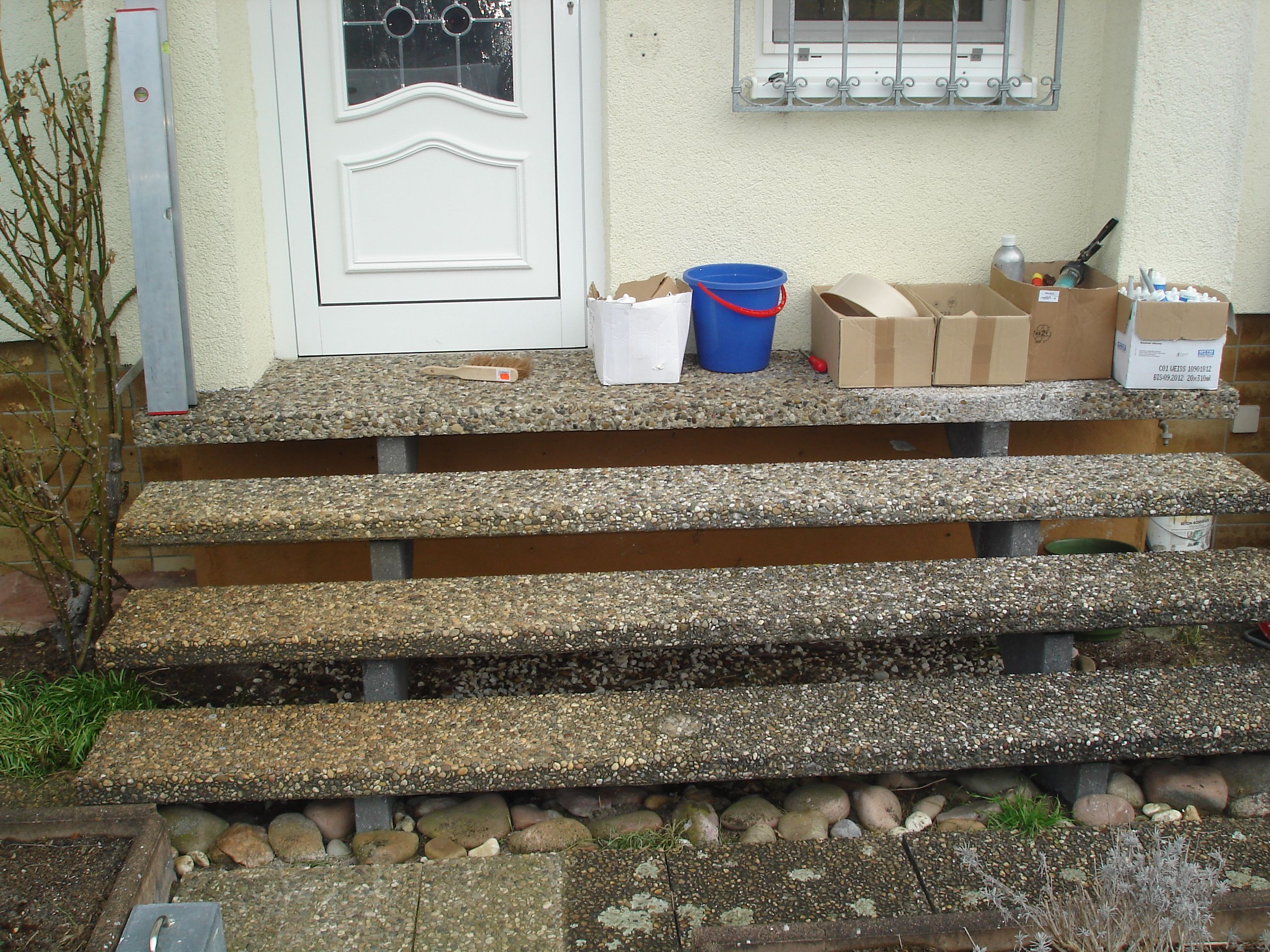waschbeton freitragend alte treppen die wir antreffen pinterest waschbeton au entreppe. Black Bedroom Furniture Sets. Home Design Ideas