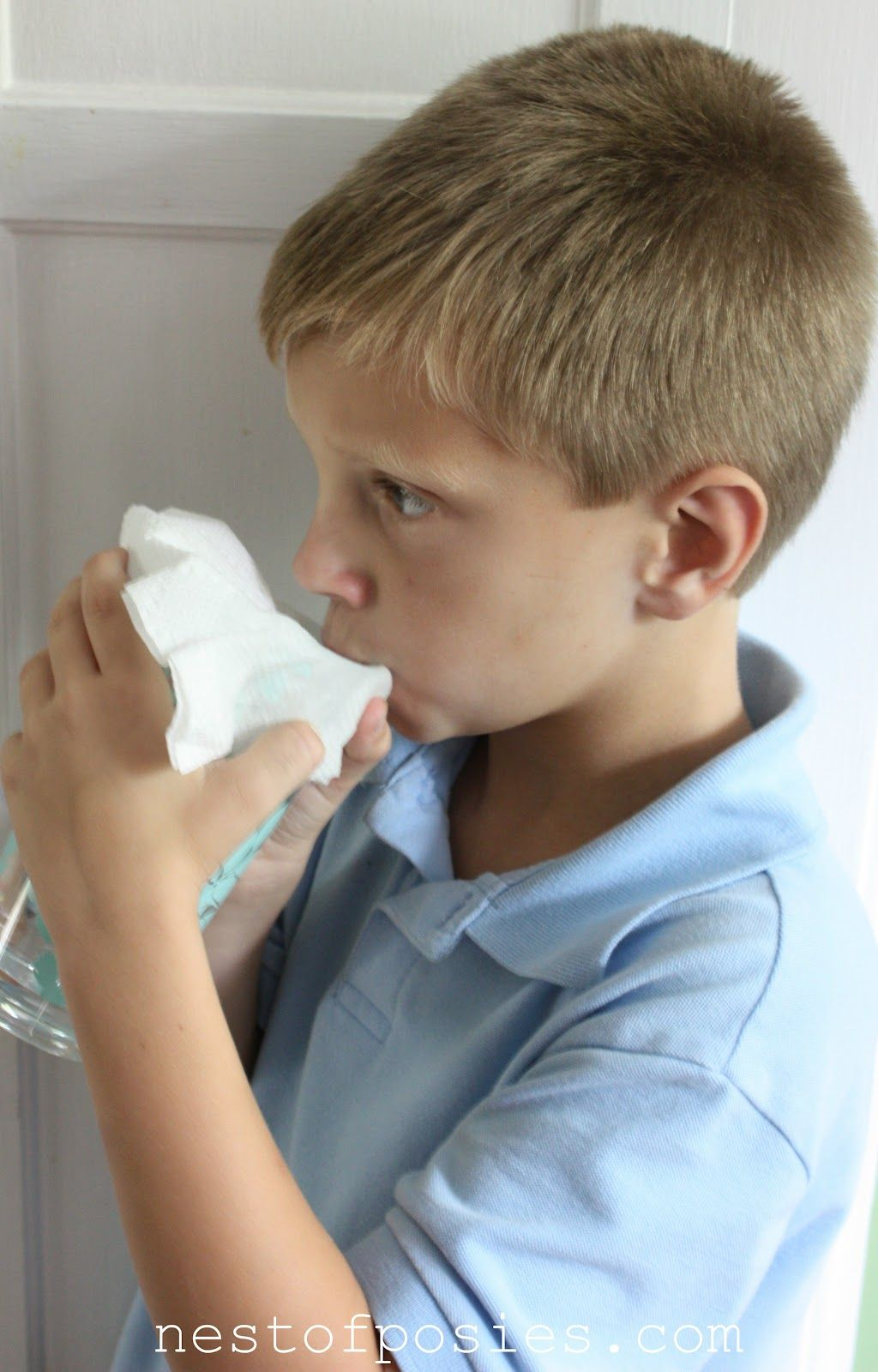 How to get rid of hiccups - How To Cure The Hiccups Drink A Glass Of Water Through A Paper Towel