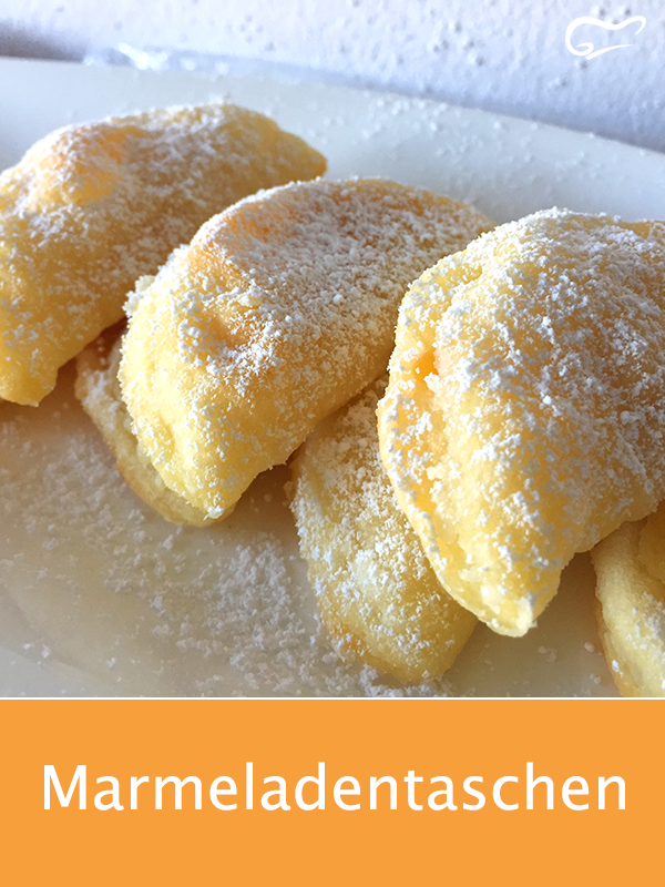 Ein tolles Rezept aus Omas Kochbuch  diese Marmeladentaschen aus Quarkteig und einer KonfitürenFüllung sind einfach ein Traum