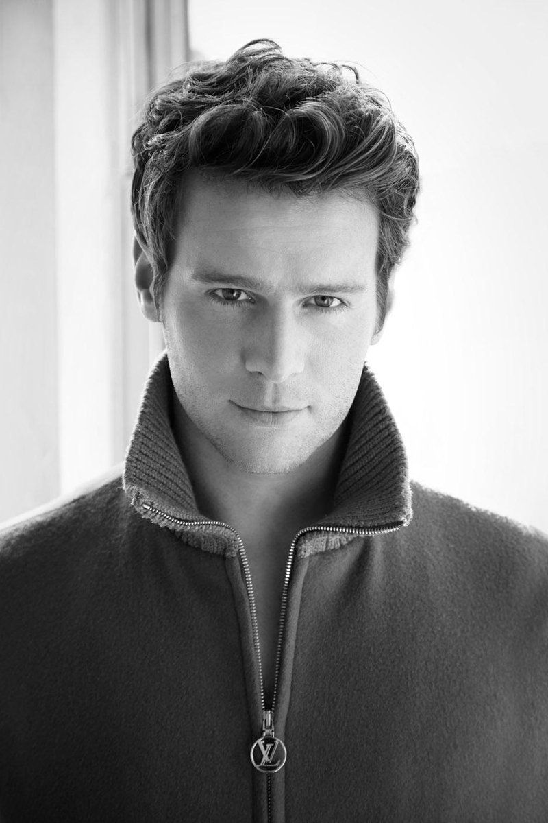 jonathan groff - photo #17