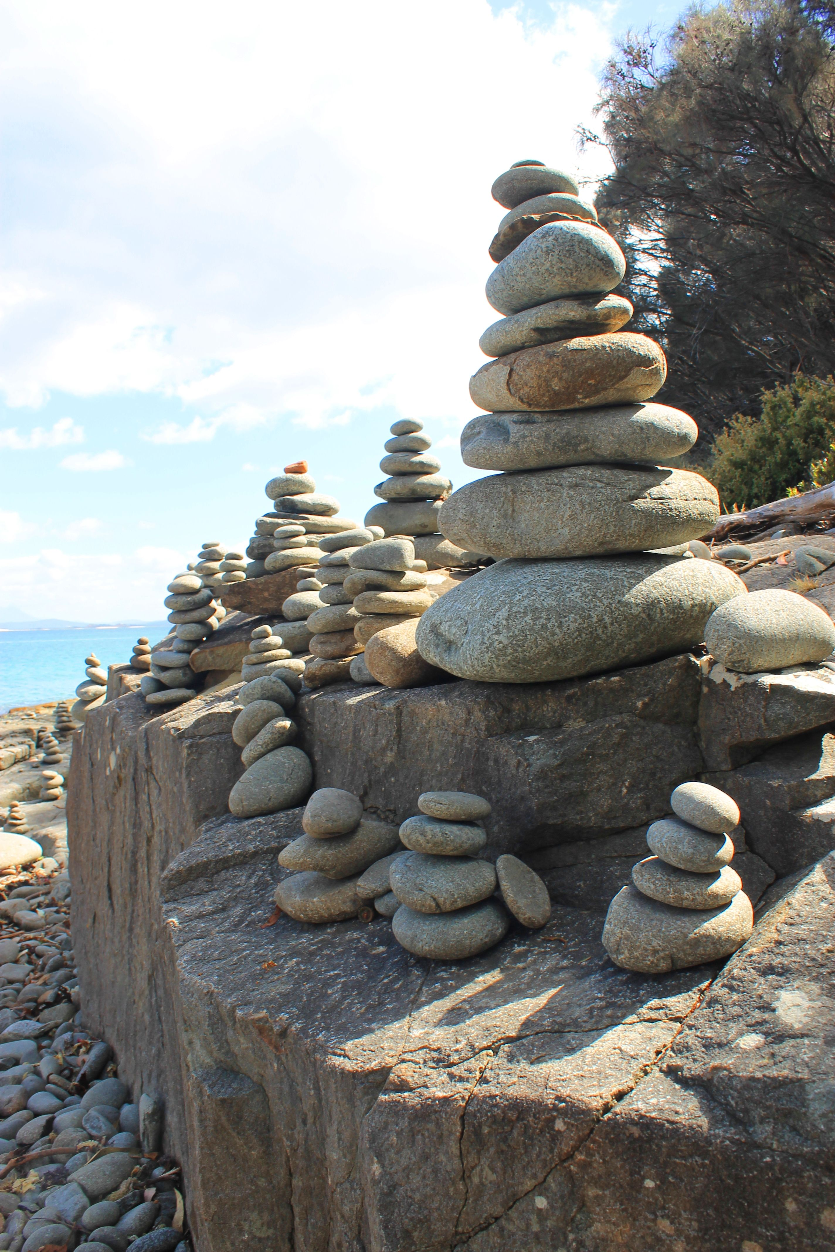 Pin By Sunsinger On Rock Stacking Rock Sculpture Stone Cairns Rock Cairn