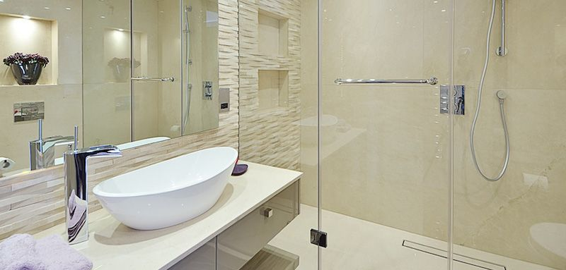 Pierre naturelle dans la salle de bain- choix, entretien et idées de ...