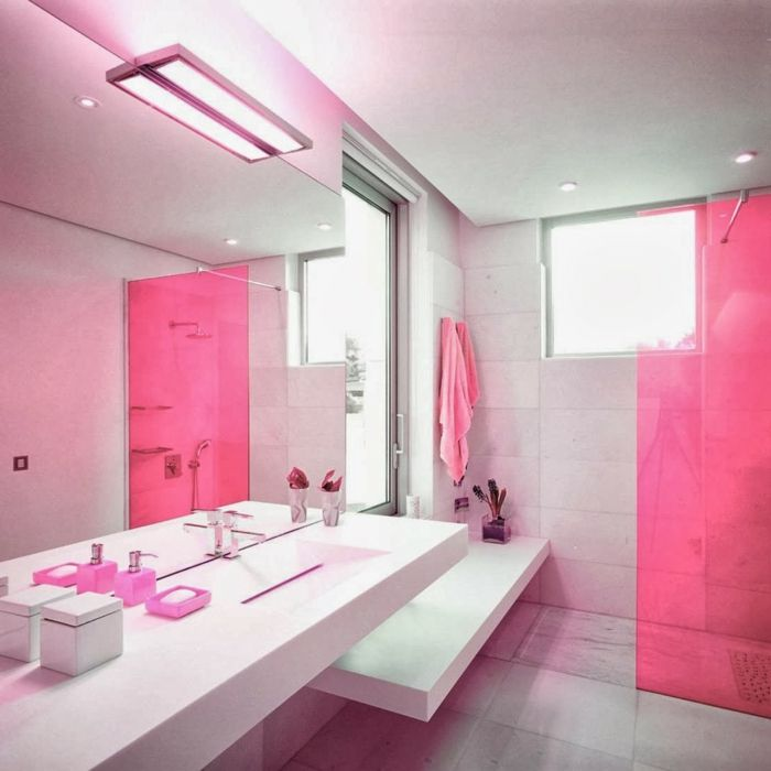 modernes-Badezimmer-minimalistische-Einrichtung-rosa-Akzente ...