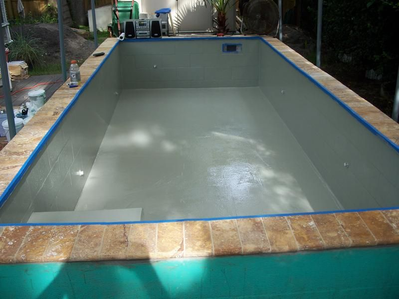 Concrete block pool re concrete block puppy pool in for Concrete swimming pool construction