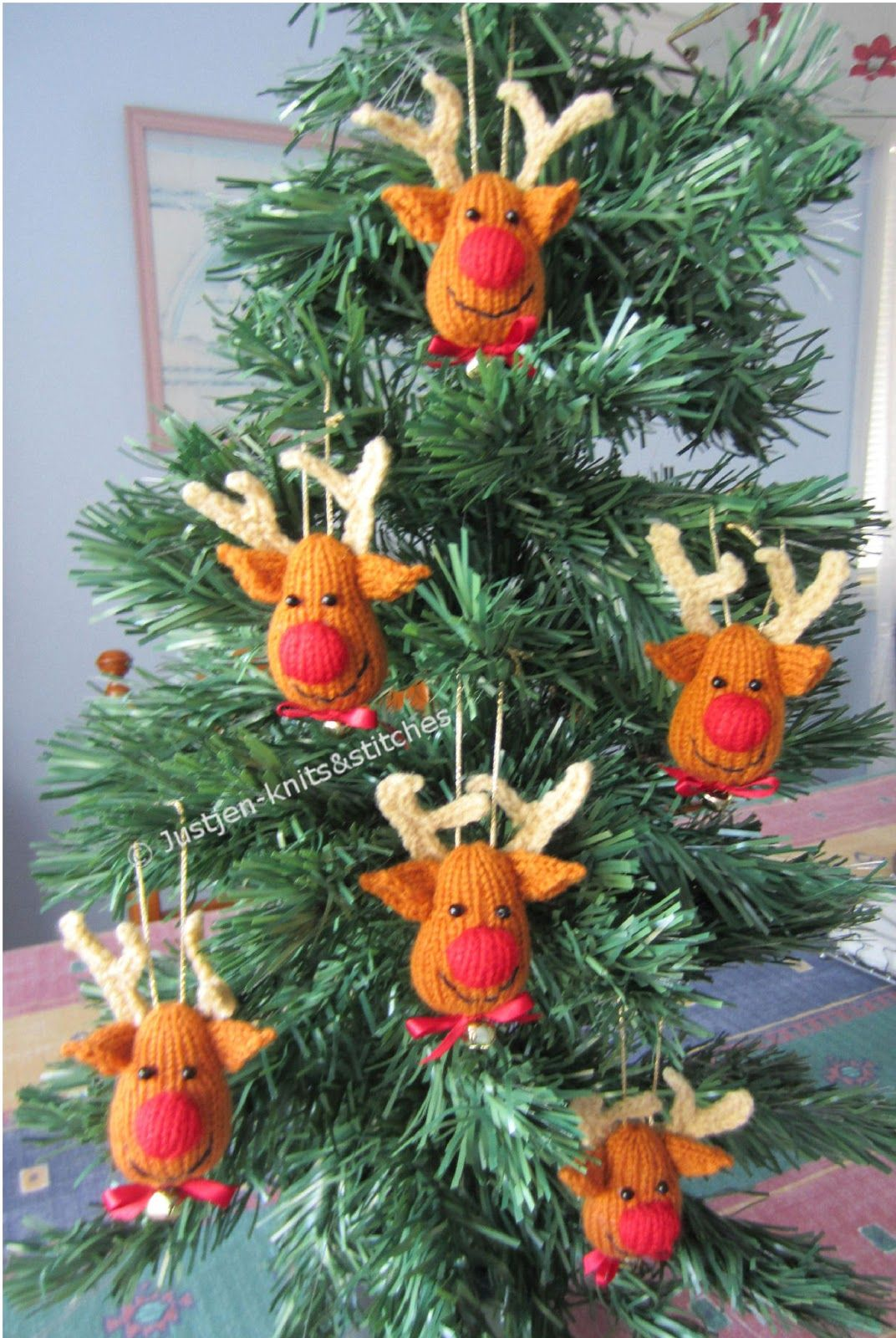Reindeer Christmas Tree Ornaments - come on, how cute are these ...