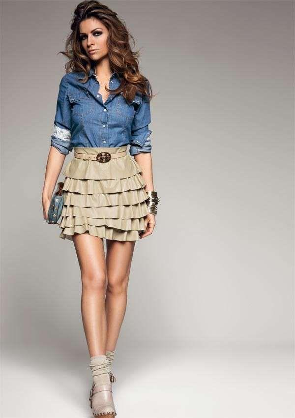 6318f95c369463 Come abbinare camicia di jeans - Camicia di jeans con gonna ...