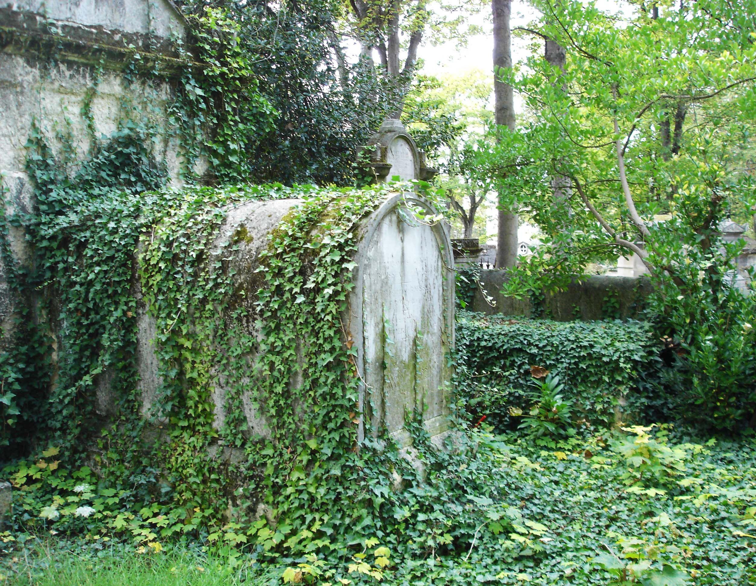 Le cimetière du Père Lachaise by Marie Soularue