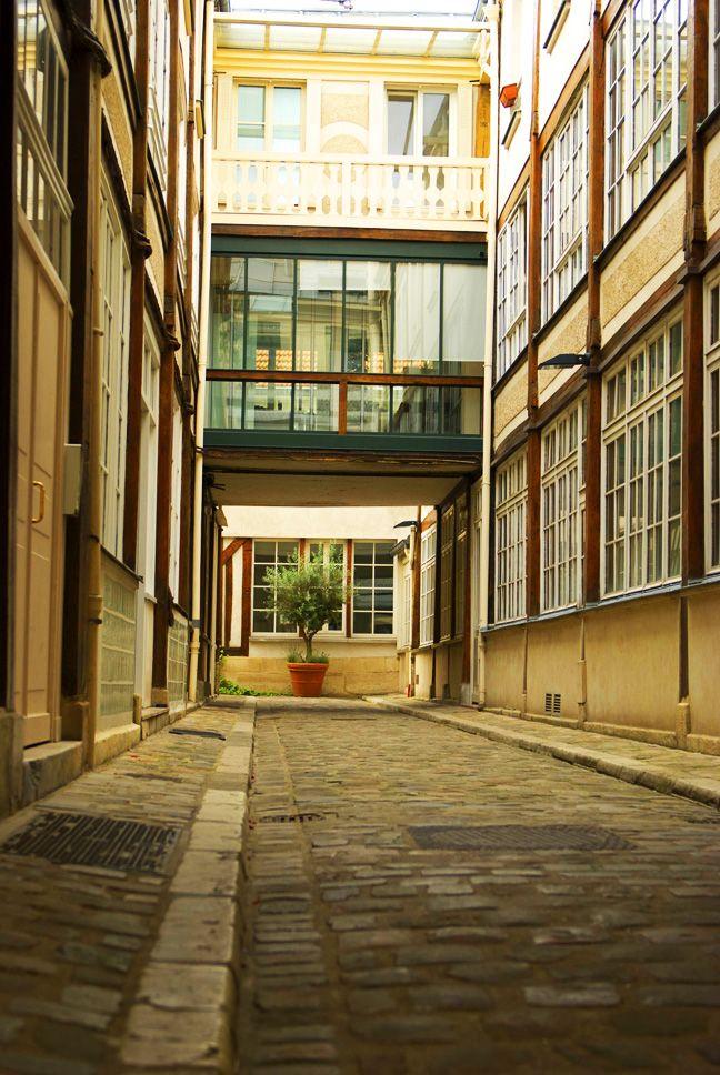 Passage du cheval blanc 2 rue de la roquette paris xi for Hotel rue de la roquette