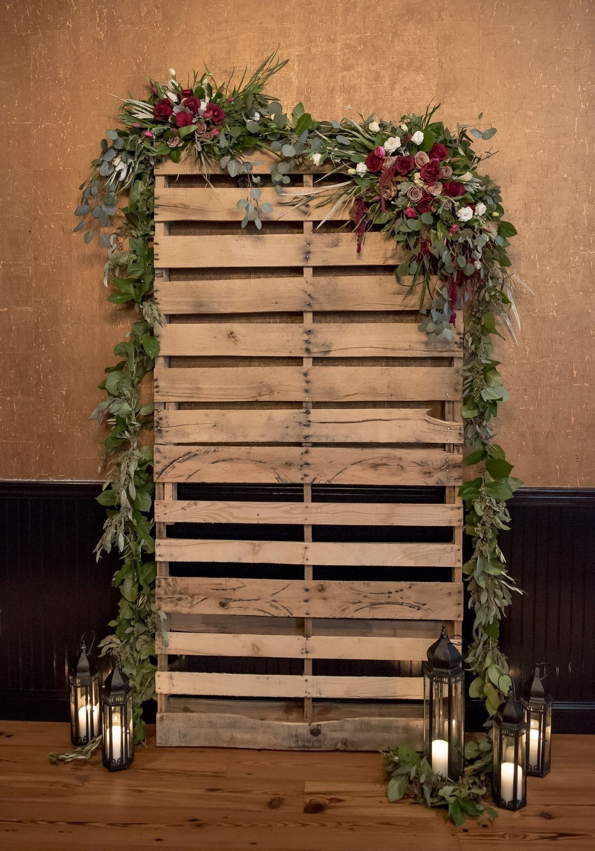Pallet alter w garland ours only has small garland and then