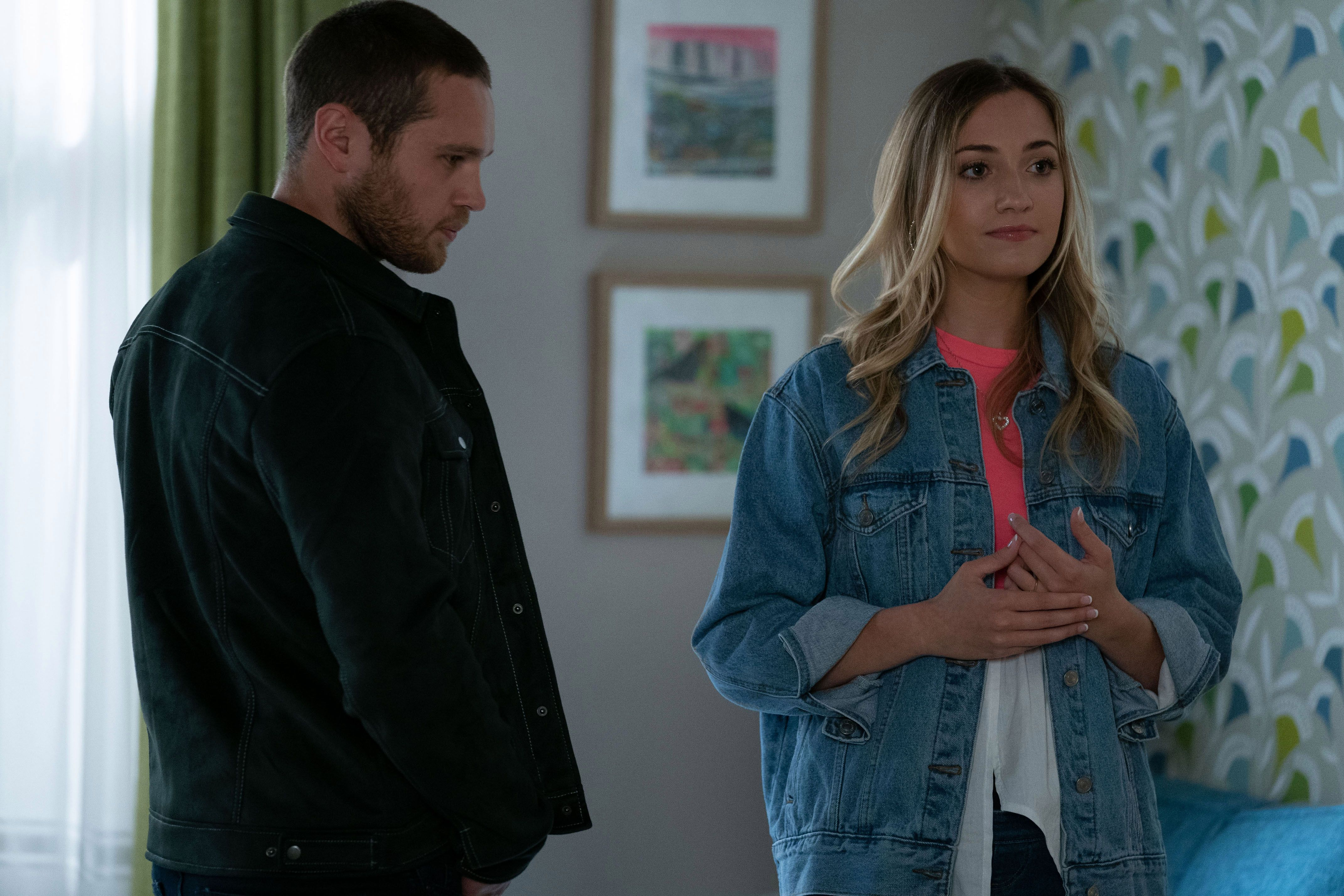When Is Louise Mitchells Baby Due In Eastenders Keanu Will Soon Be A Father Of Two Littleone Women Eastenders Baby Due Step Daughter