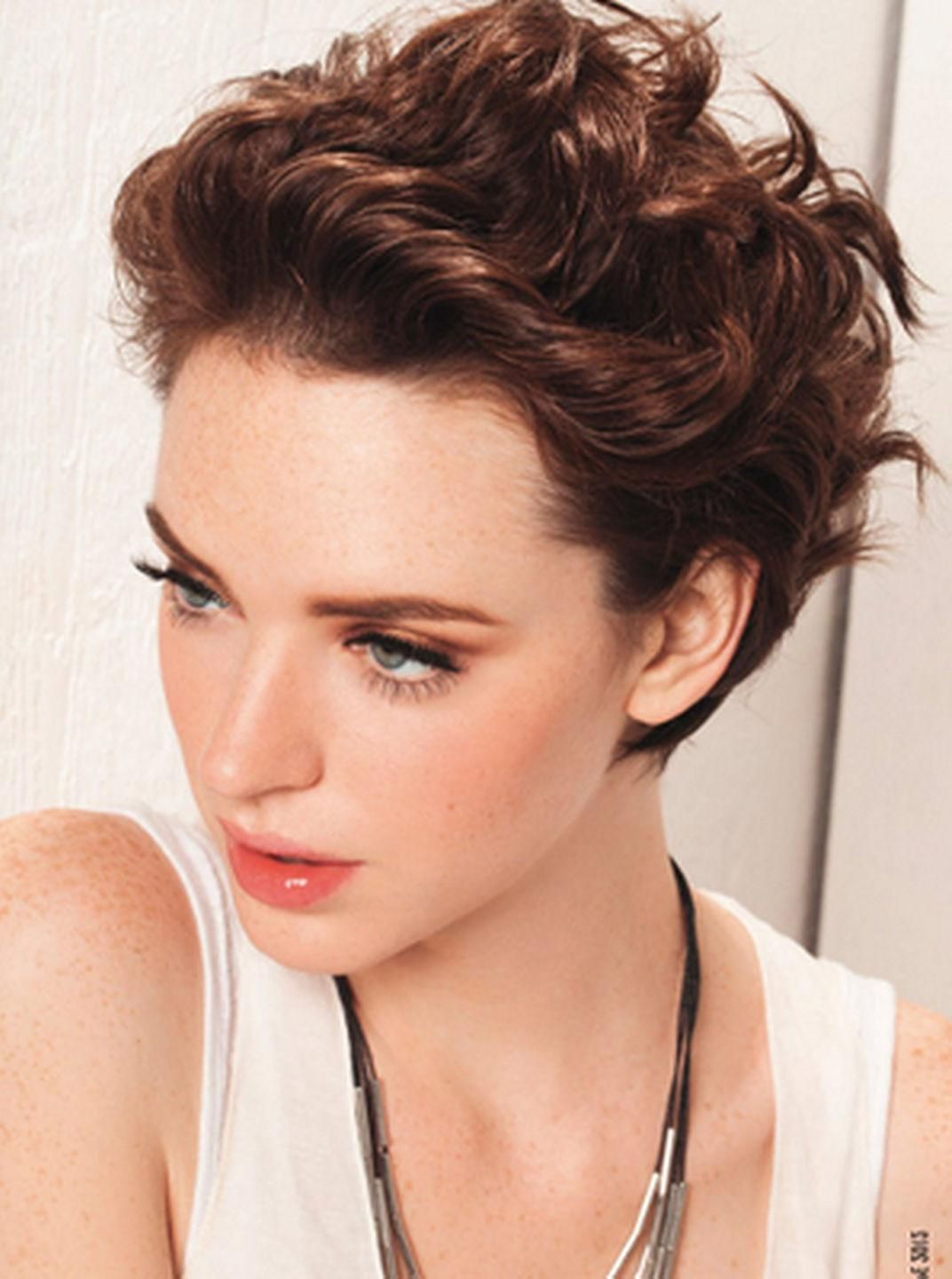 Short Hairstyles For Curly Hair And Oval Face Cute Thick