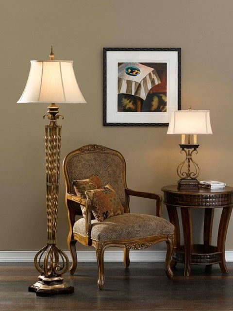 Tischlampen Traditionelles Wohnzimmer #traditionellesdekor