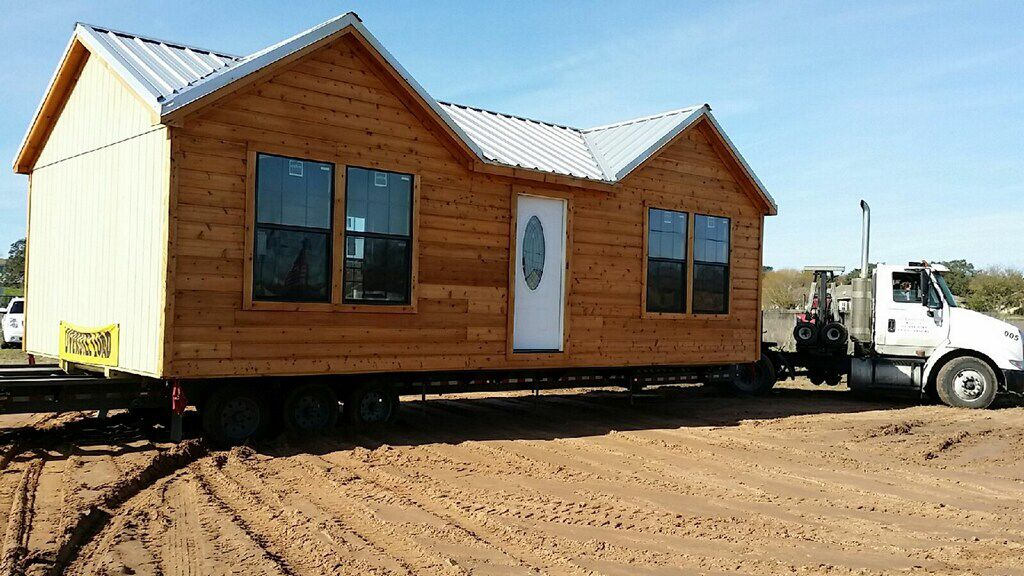 Delivering Our 1bed 1bath Ormeida Deluxe Cabin Cabin Cabins In Texas Tiny House