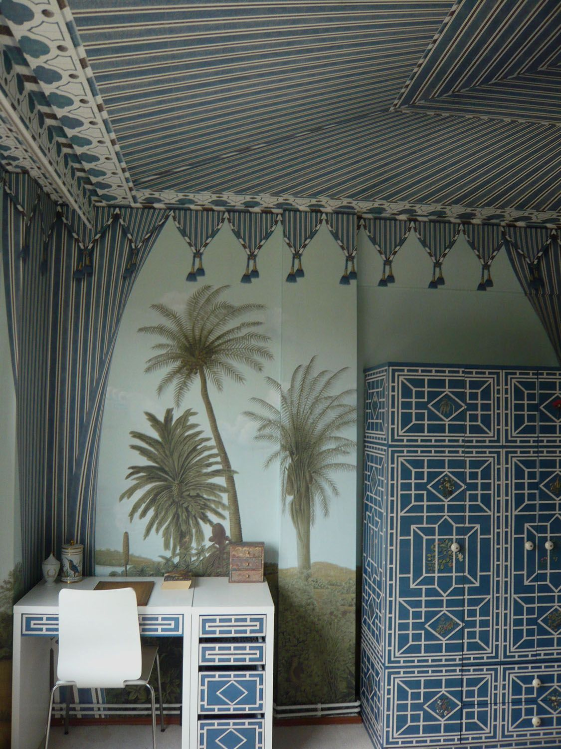 Iksel Decorative Arts wall and ceiling murals