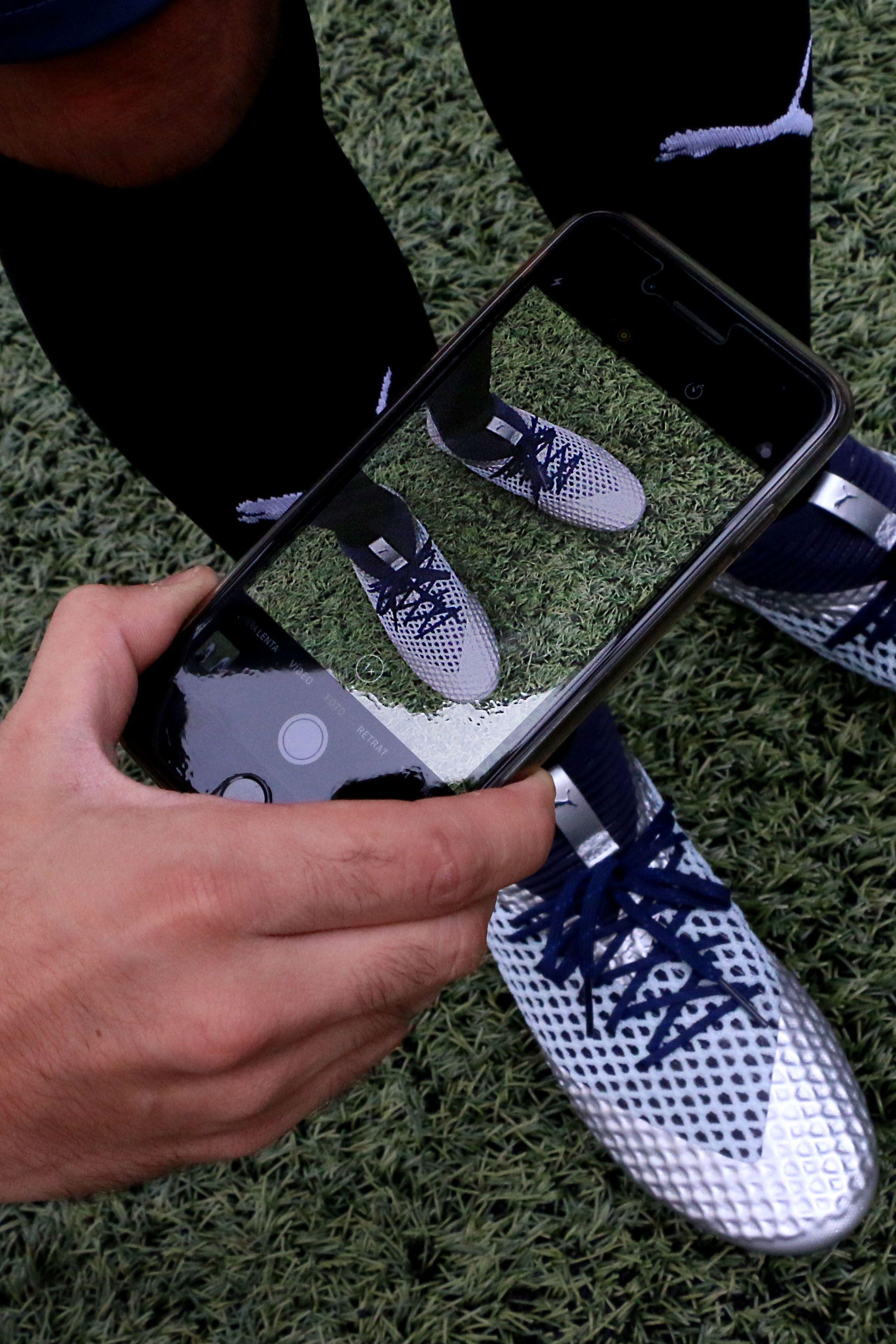 sale retailer d9642 018a0 Nuevas botas de fútbol  puma future. A la venta en  futbolmania a partir de  mañana.