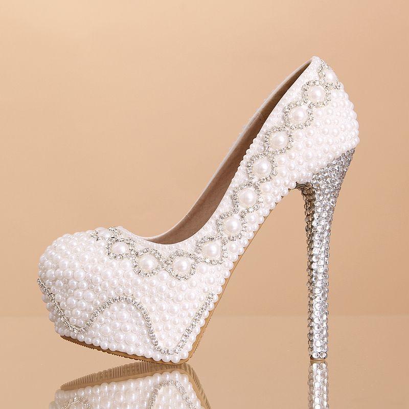 chaussure de mari e magnifique recouvert de perles et strass escarpin mariage au talon plate. Black Bedroom Furniture Sets. Home Design Ideas