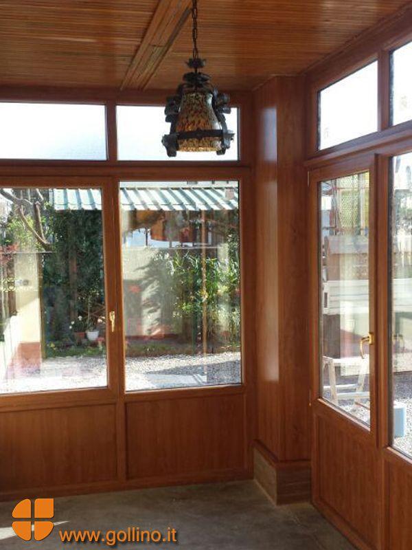 Veranda in PVC effetto Legno per la chiusura di un