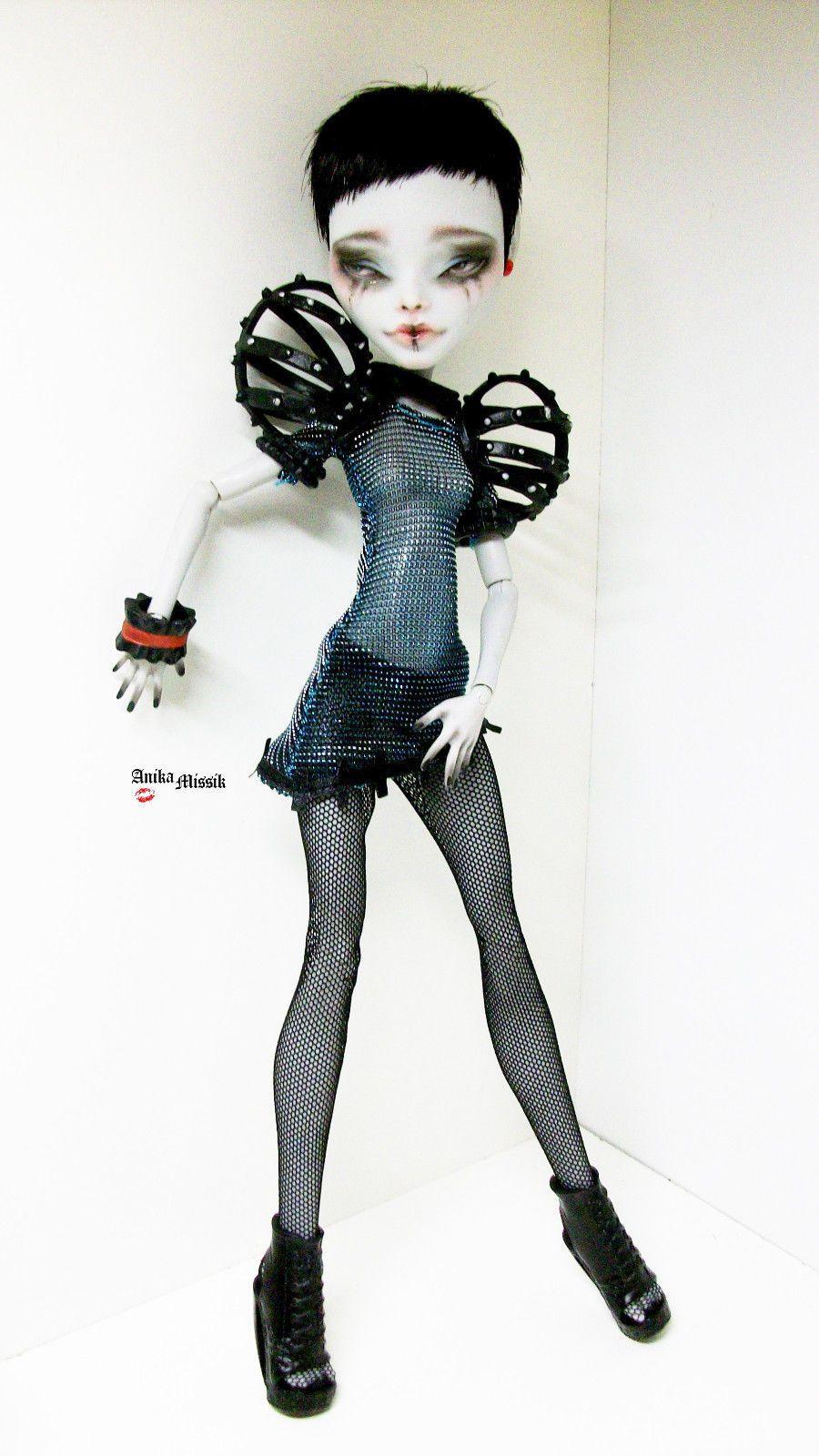 Monster High Ghoulia Yelps OOAK Repaint Custom by Anikamissik | eBay