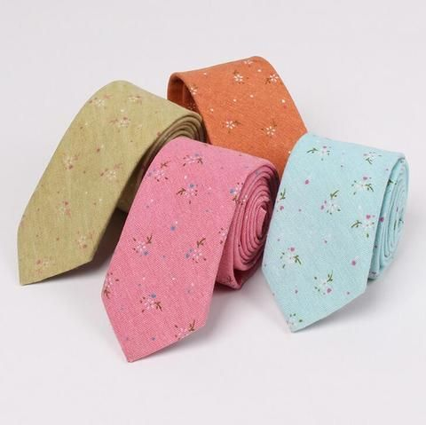 Cotton floral skinny tie ! Love these for a nice spring wedding or outdoor activity.
