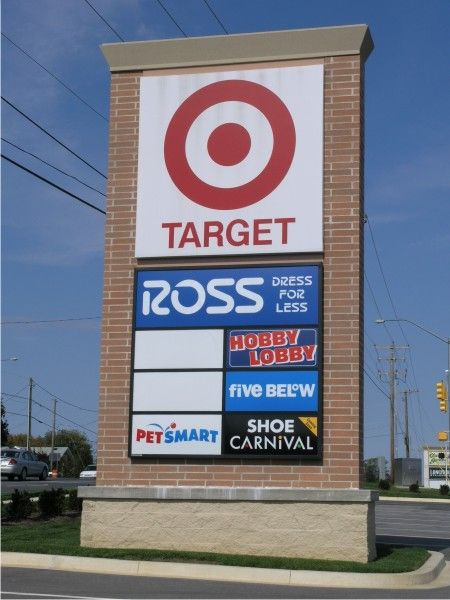 Pylon Signs For Shopping Centers Custom Retail Signs