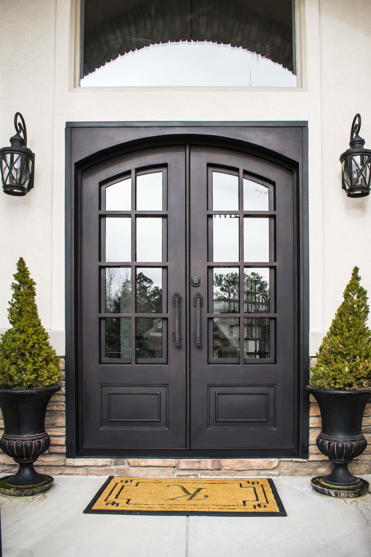 Pin By Stevie G G On Craftsman Custom Front Doors Traditional Front Doors Front Door Design