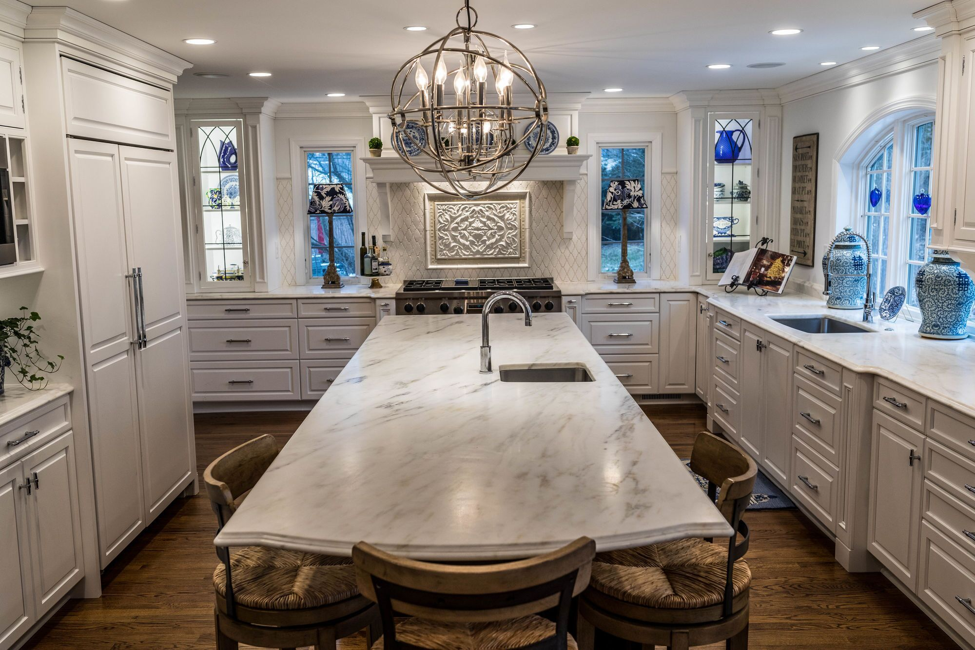 how do you like this modern white kitchen with luxury sub zero wolf appliances for more on kitchen remodel sub zero id=90191