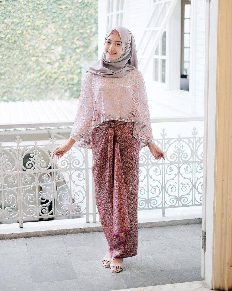 Baju Kebaya Bawahan Batik: Kebaya Jilbab, Perlengkapan