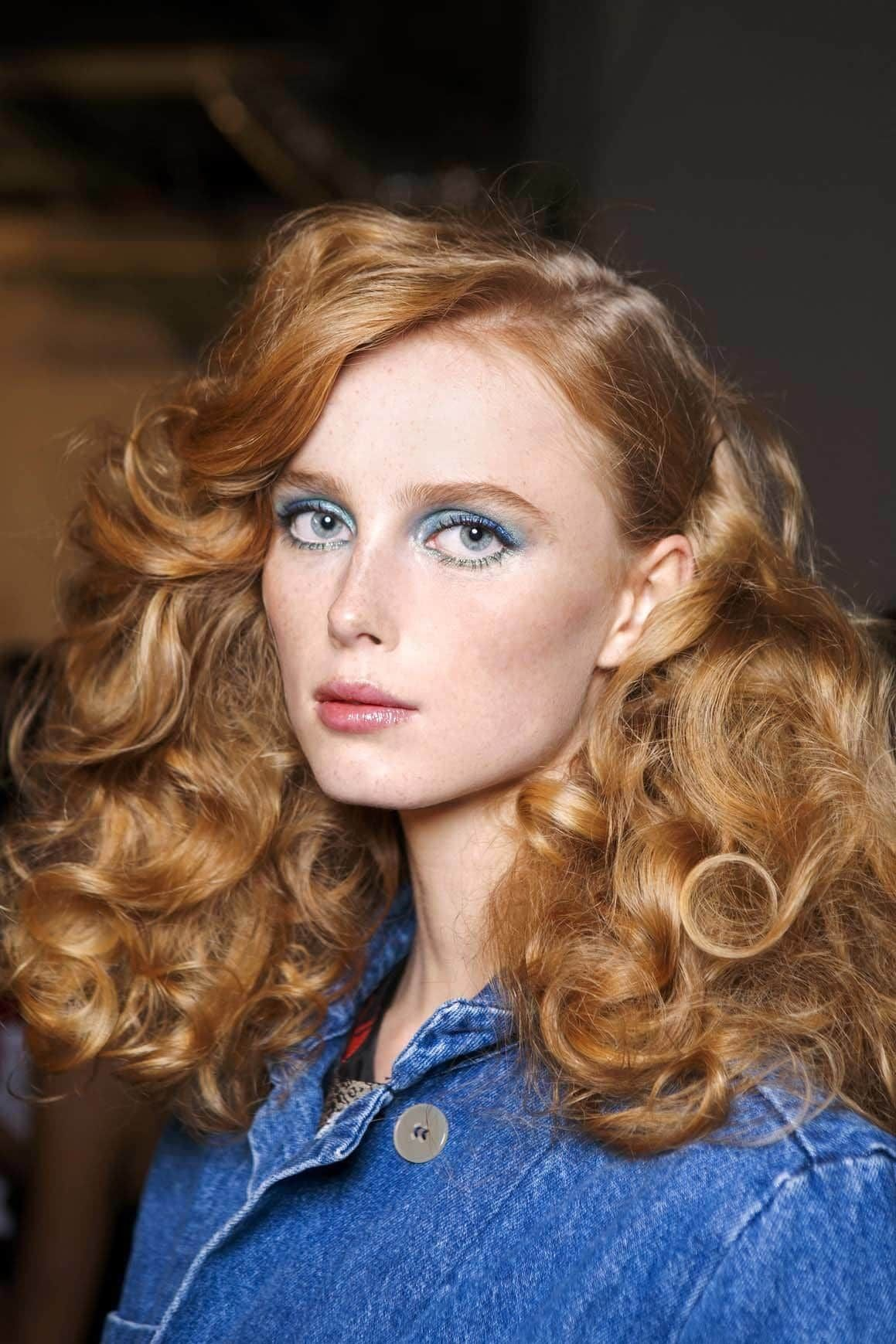 Want to add volume to your hair? Make it curly! Learn how