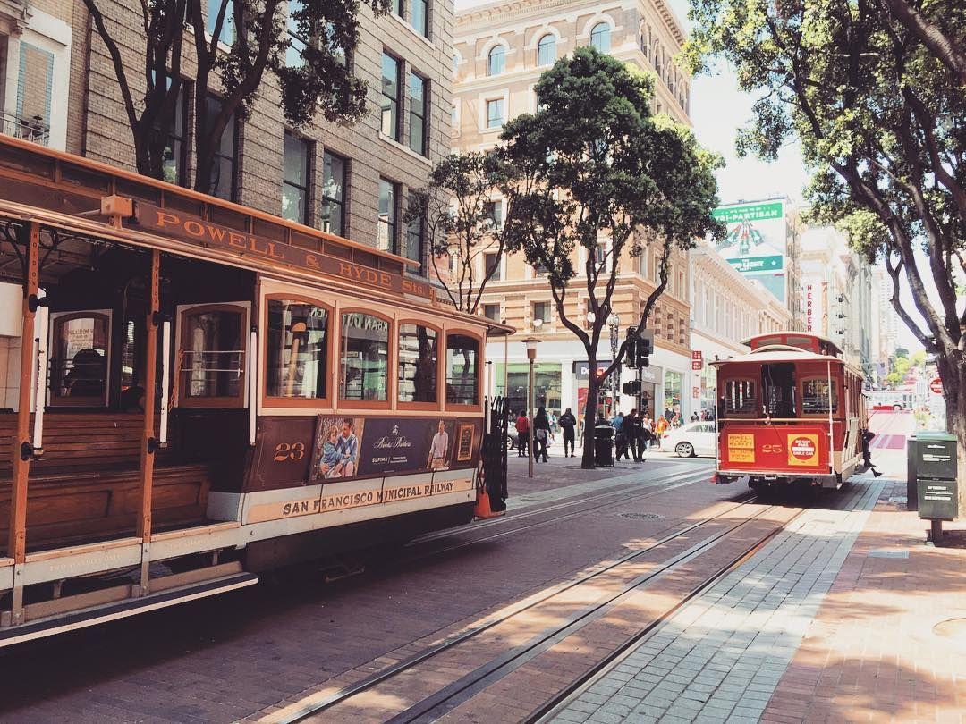 붕붕 케이블카  #둘째날 #여행스타그램 #미국여행 #미국 #샌프란시스코 #sanfrancisco #전차 #tram #케이블카 #cablecar #전경 #roadview by 0101_cho