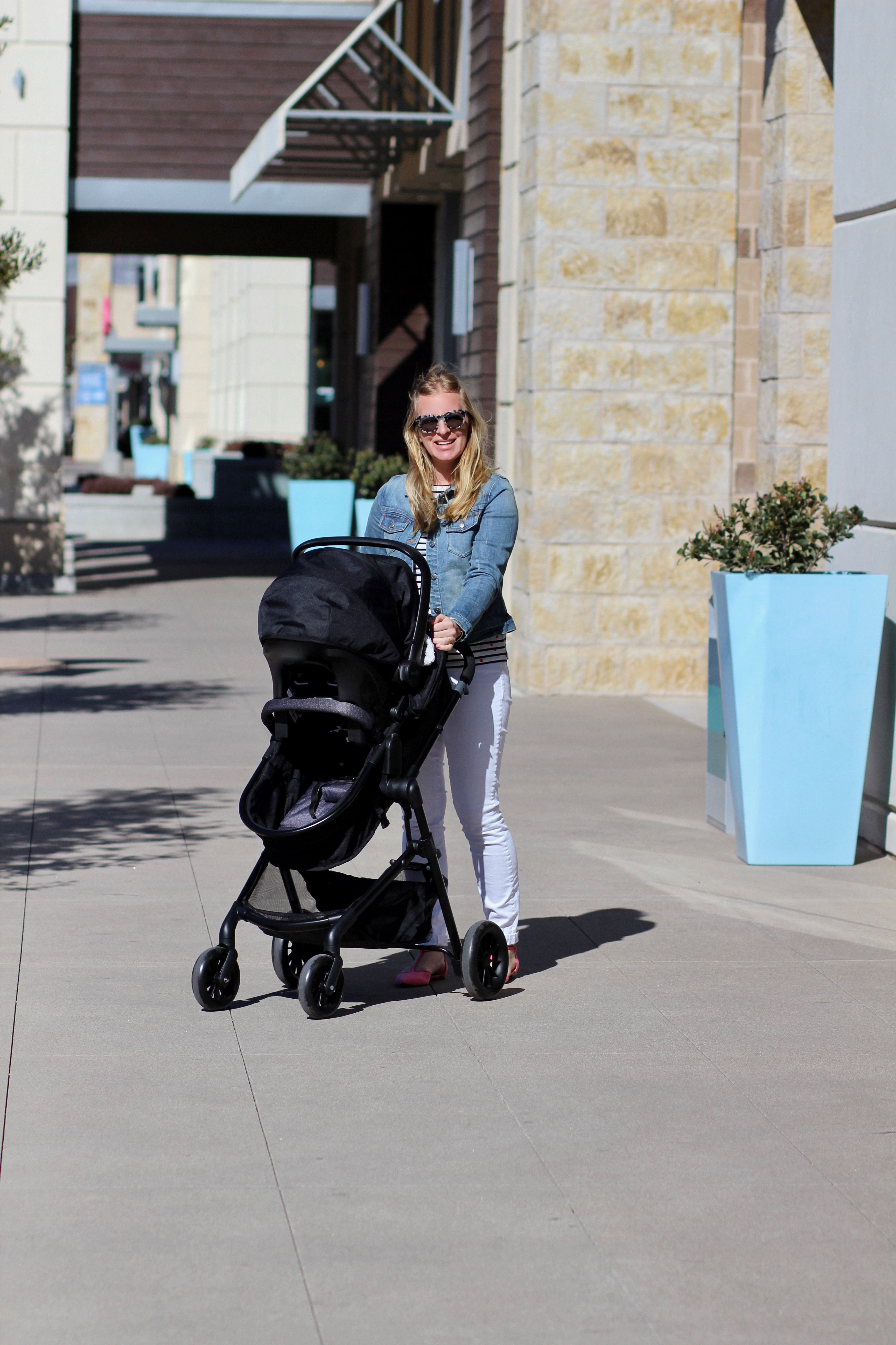 Awesome new travel system by evenflo Travel system