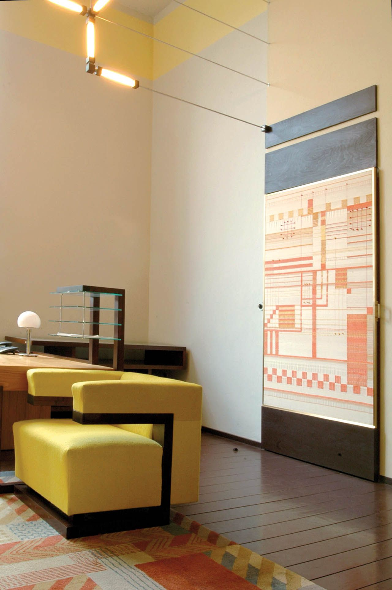 Weimar, Bauhaus University Gropius armchair F51 (1920