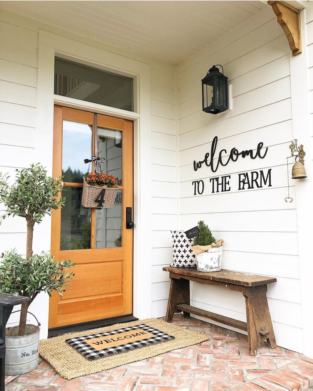 49 Diy Small Porch Decorating Ideas Smallporchdecorating Modern Design In 2020 Small Front Porches Decorating Ideas Small Porch Decorating Porch Decorating