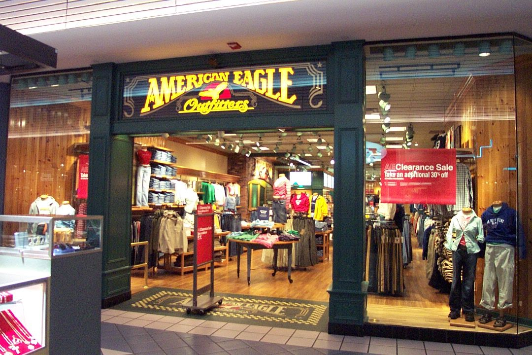 A First Generation American Eagle Outfitters Green Front Store Built In The Late 1980s Early 1990s Seen Here As 2002 Now Bulldozed