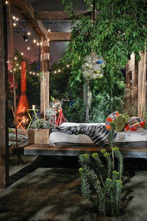 outdoor bedroom....how cool?!