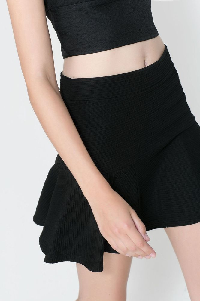 NWT ZARA TRF FLARED MINI SKIRT BLACK SIZE M