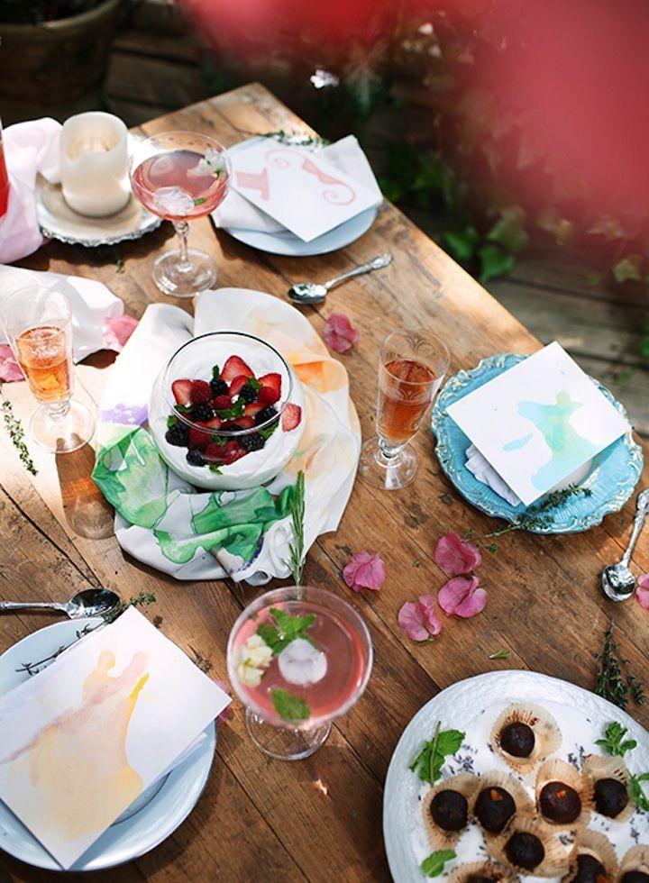A mesa perfeita para o final de semana. Veja mais: http://casadevalentina.com.br/blog/detalhes/a-melhor-hora-do-dia-2858 #details #interior #design #decoracao #detalhes #decor #home #casa #design #idea #ideia #tableware #mesa #casadevalentina #lunch #almoco #cafe #breakfast