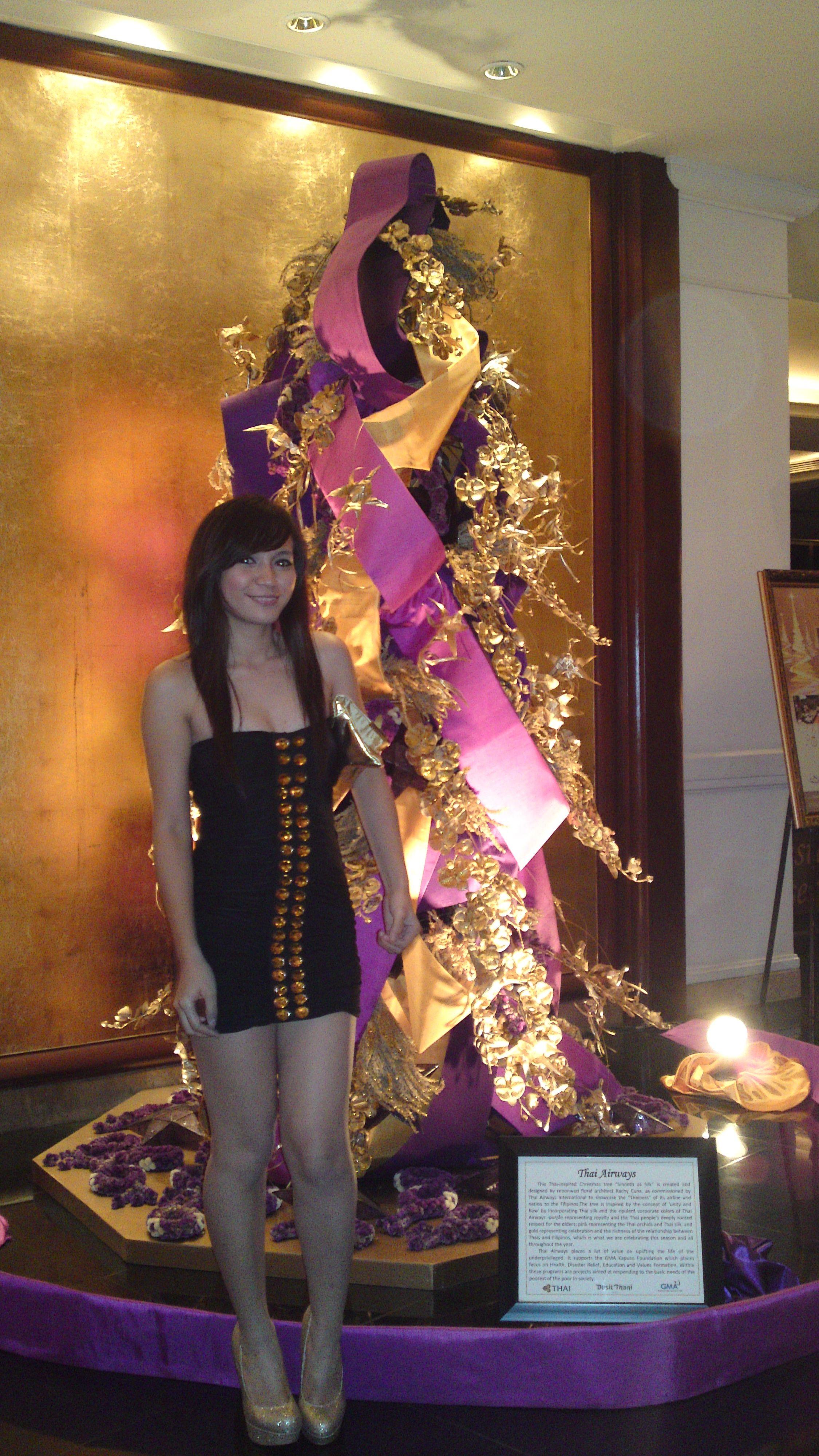 A christmas tree {in Dusit Thani Makati}