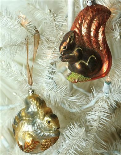 "Christmas Tree decor Natural Sisal Squirrel with pinecone 6/"" x 5/"" tall"