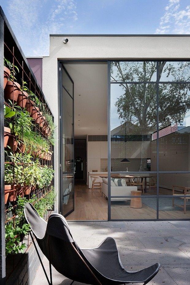 Rénovation par Robson Rak Architects et Made by Cohen | Architecture ...