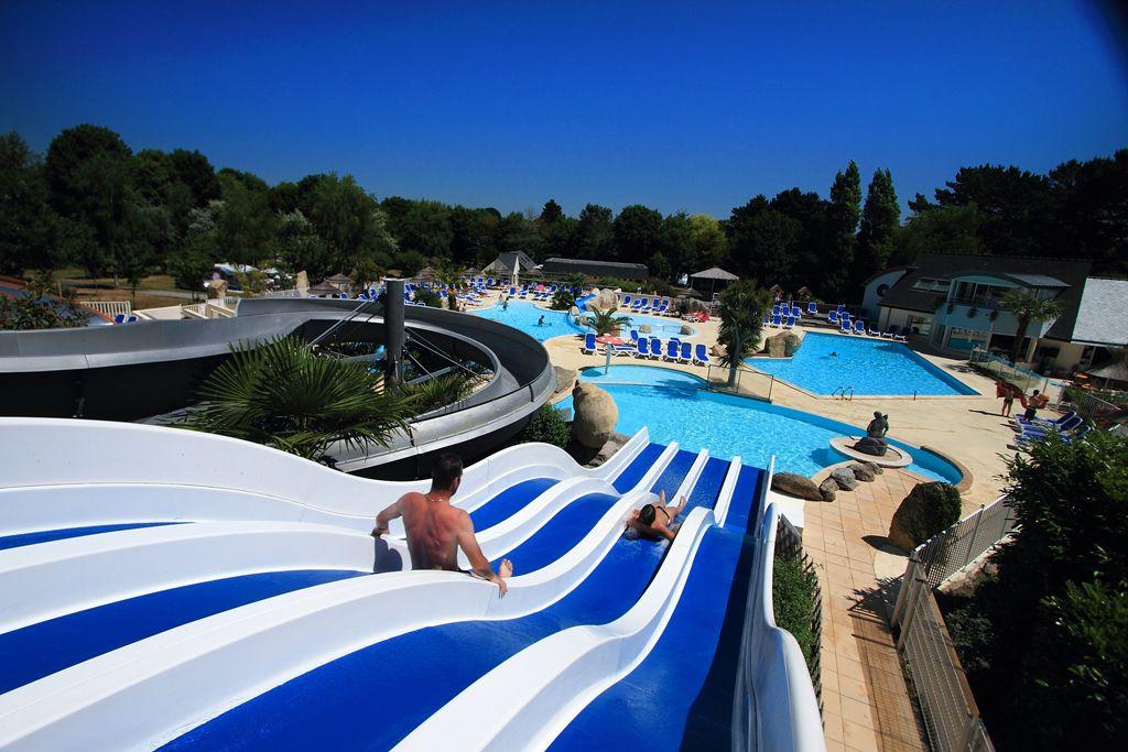 Camping Bretagne Sud Parc Aquatique Avec Toboggans Aquatiques