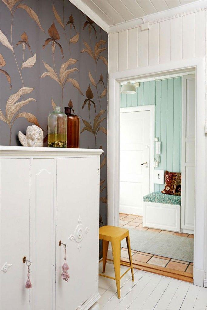 papier peint orchid de cole and son wallpaper dress your wall pinterest sons wallpaper. Black Bedroom Furniture Sets. Home Design Ideas