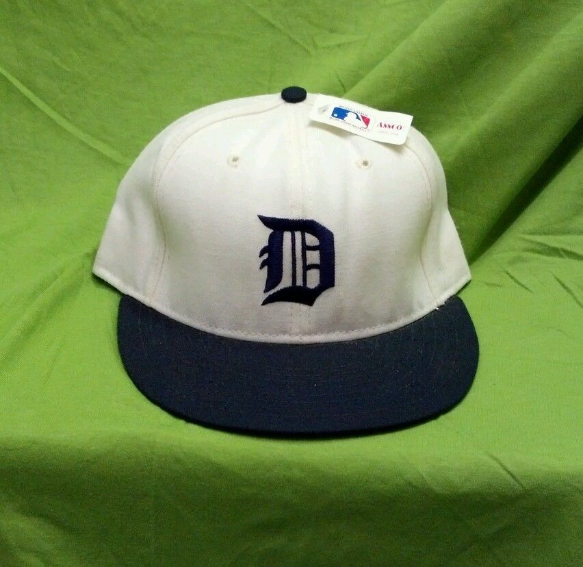 Detroit tigers new old stock size 7 38 fitted hat annco